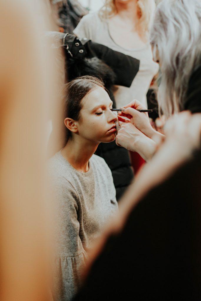 makeup backstage NYFW 2017 image